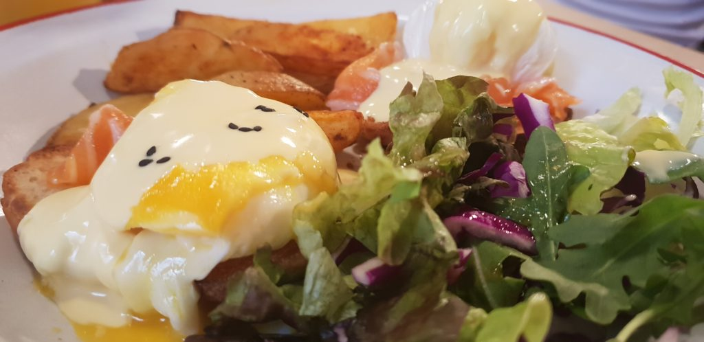 huevos_benedictinos_adorado_bar