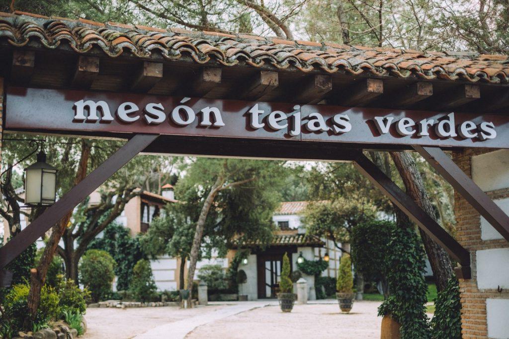 mesón_tejas_verdes
