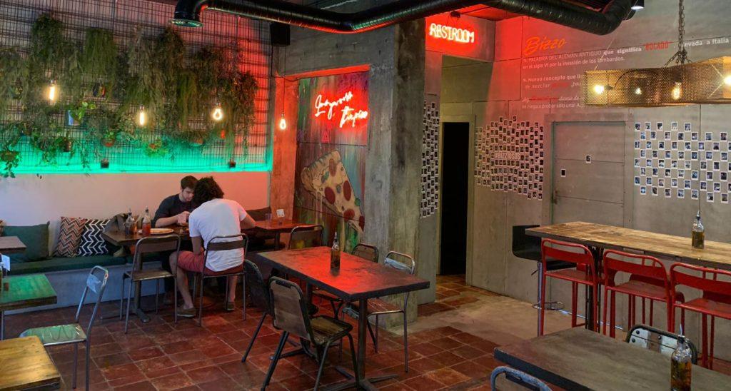 interior restaurante bizzo
