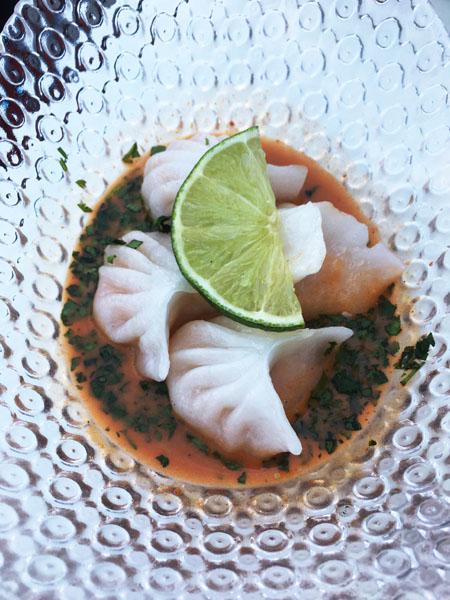 Dumplings de langostino casamontes madrid