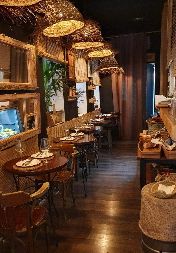 interior restaurante la carbonera madrid