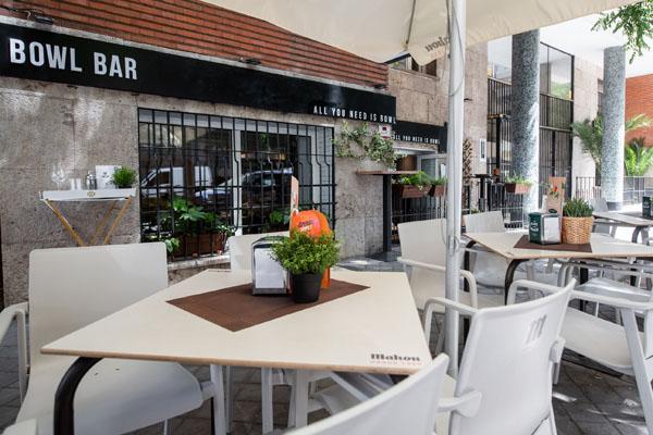 Mesas de la terraza, Bowl Bar