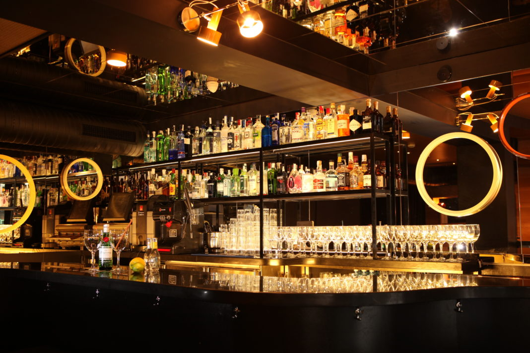 gin spanish club mercado de la reina