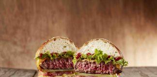 Burger cocinada carne la finca
